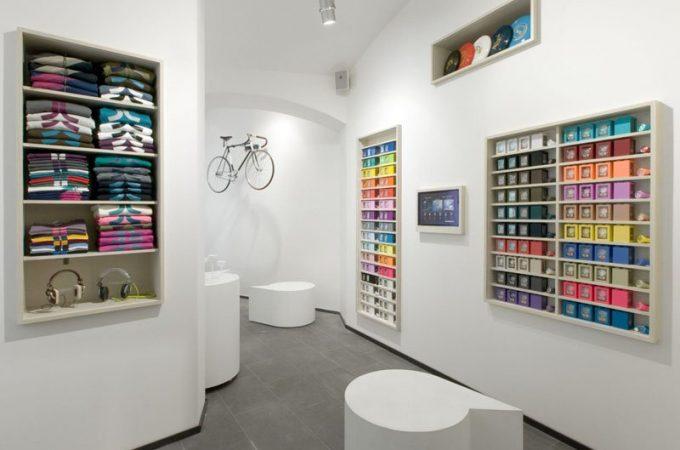 nový interiér obchodu 66 Gallery od A1 Architekts