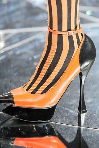 Alexander McQueen kolekce bot 2009