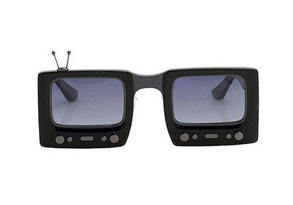 černé sluneční brýle ve tvaru obrazovek Linda Farrow