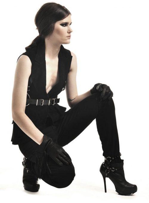 černý kožený pásek Zana Bayne