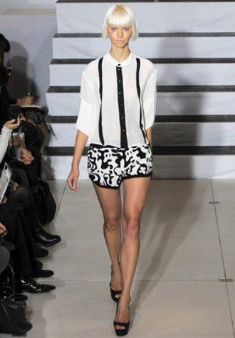 dámská černobílá košile a šortky se vzorem Devastee