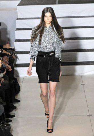 dámská šedá košile se vzorem a černé šortky Devastee