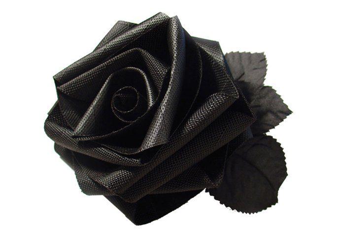 neprůstřelná růže designéra Tobiase Wonga
