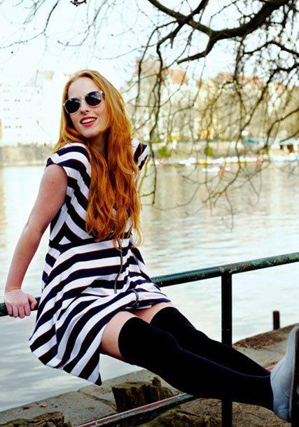 dámské černobílé pruhované šaty ODIVI for Freshlabels