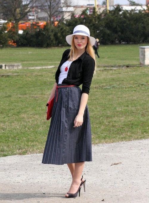 sukně a psaníčko vintage, triko a pásek Gate, klobouk F&F, doplňky eBay, boty Primark, košile z trhu