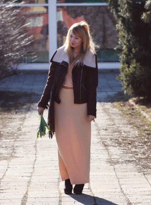 šaty H&M, boty Tally Weijl, pásek second hand, náušnice a kabelka Gate, náhrdelník eBay, bunda Pull & Bear