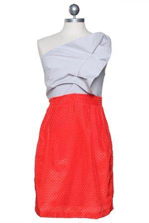 červenobílé avantgardní šaty ($ 44.99)