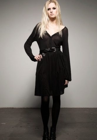 černé šaty od The Battalion