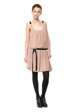 starorůžové šaty z tenké dvojité síťoviny, kolekce Capsule od Niny Persson