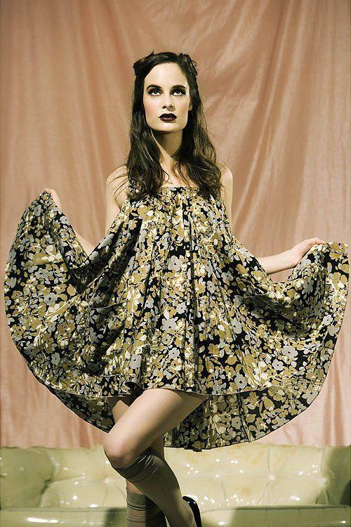 šaty Floral (2 059 Kč)