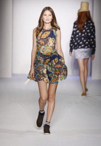 dámské šaty se vzorem Karen Walker