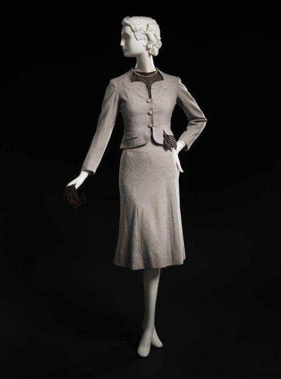 dámský kostýmek Main Bocher, 1937