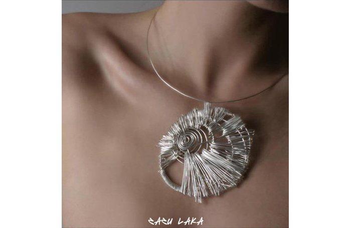 stříbrný náhrdelník Zazu Laka