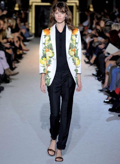 dámské sako se vzorem, černá košile a kalhoty Stella McCartney