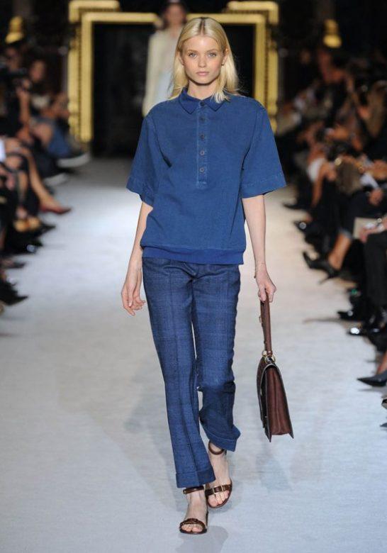 dámský modrý svetr a kalhoty Stella McCartney