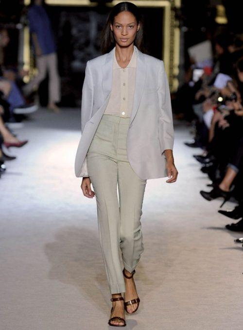 dámský světle šedý oblek Stella McCartney