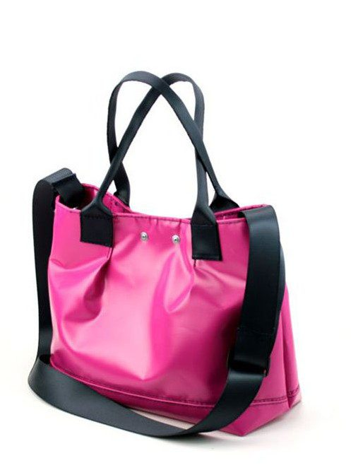 dámská růžová kabelka z plachty nákladních aut (€ 99)