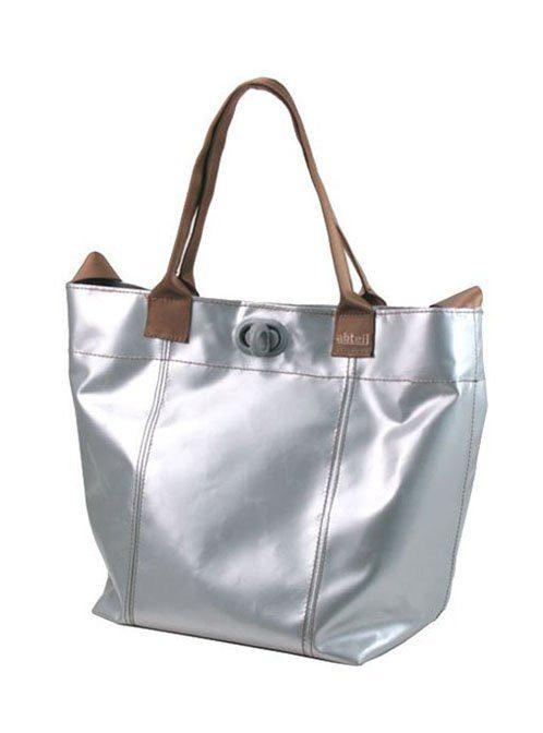 dámská stříbrná taška Abteil z plachty nákladních aut (€ 99)