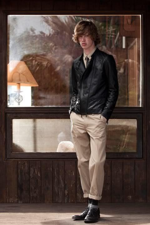 pánská černá kožená bunda a khaki kalhoty FACTOTUM