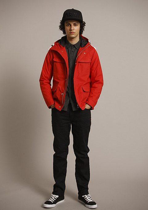pánská černá kšiltovka, červená bunda a černé kalhoty Bedwin & The Heartbreakers