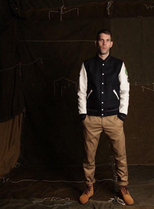pánská sportovní černobílá bunda a khaki kalhoty Edwin