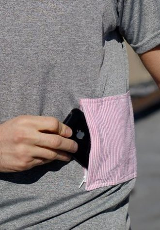 tričko Candylands s kapsou na zip z recyklovaných materiálů ($ 30)