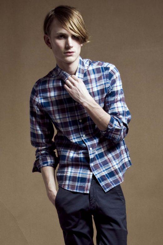 pánská kostkovaná košile a tmavě modré kalhoty Velour