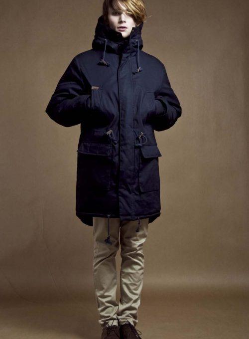 pánská tmavě modrá bunda a béžové kalhoty Velour