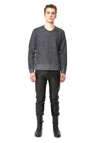 pánský šedý svetr z jehněčí vlny a černé kožené kalhoty Hope