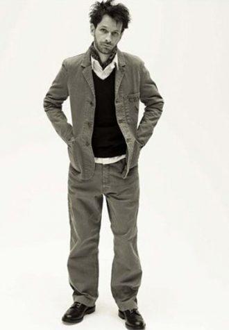 pánské sako, kalhoty, černý svetr, bílá košile, šátek Coal Black