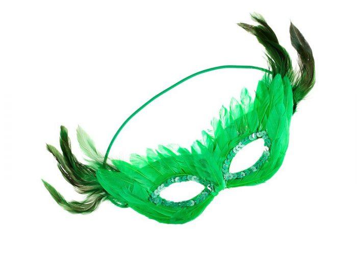 zelená maska z peří H&M