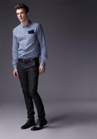 pánská džínová košile, černý šáteček a tmavě modré úzké džíny !ITEM