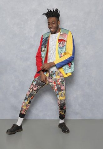 pánské barevné sako, bílé tílko a kalhoty se vzorem Agi & Sam