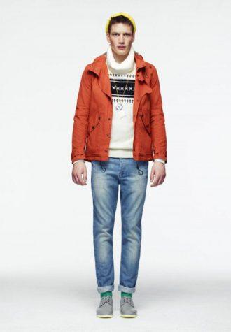 pánská oranžová bunda, bílý svetr se vzorem a džíny ASOS
