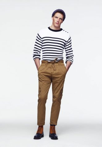 pánský bílý svetr s pruhy a hnědé plátěné kalhoty ASOS