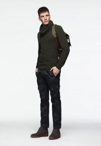 pánský zelený svetr a černé kalhoty s kapsami ASOS