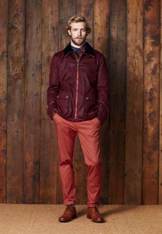 pánská vínová bunda a červené kalhoty Ben Sherman
