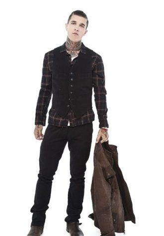pánská hnědá kožená bunda, kostkovaná košile, černá vesta a kalhoty Beautiful Fül