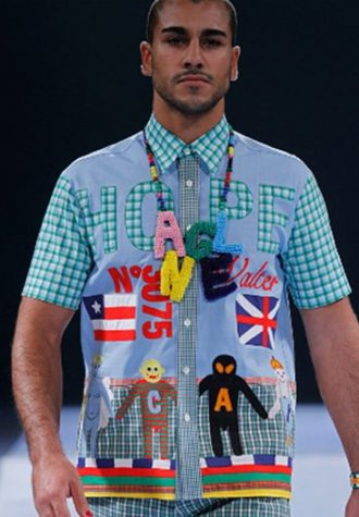 pánská kostkovaná košile s potisky a barevné korále Walter Van Beirendonck