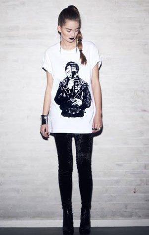 bílé triko a leginy Bibi Chemnitz