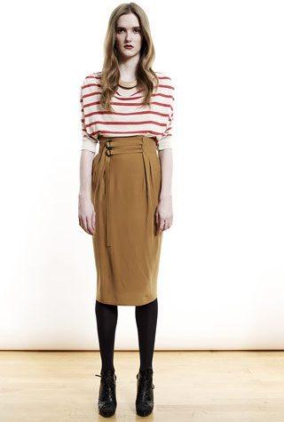 pruhované triko a hnědá sukně od Shipley & Halmos