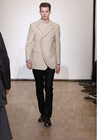 pánské světle béžové sako a černé kalhoty Raf Simons