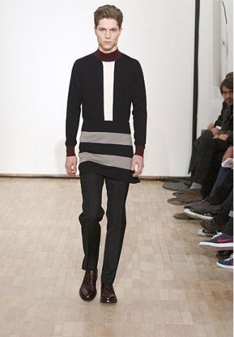 pánský černý svetr s pruhy a kalhoty Raf Simons