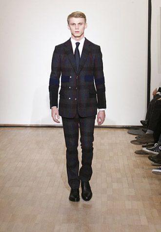pánský tmavý kostkovaný oblek Raf Simons