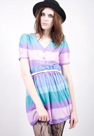 šaty Grethchen (52 USD)