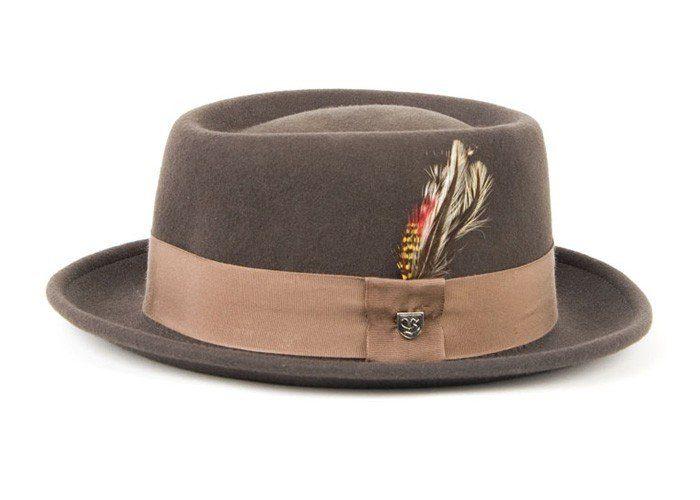 hnědý klobouk Brixton, typ Dapper ($ 35)