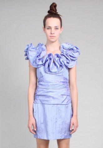 dámské bleděmodré šaty Ramona West s nabíraným límcem (75 USD)